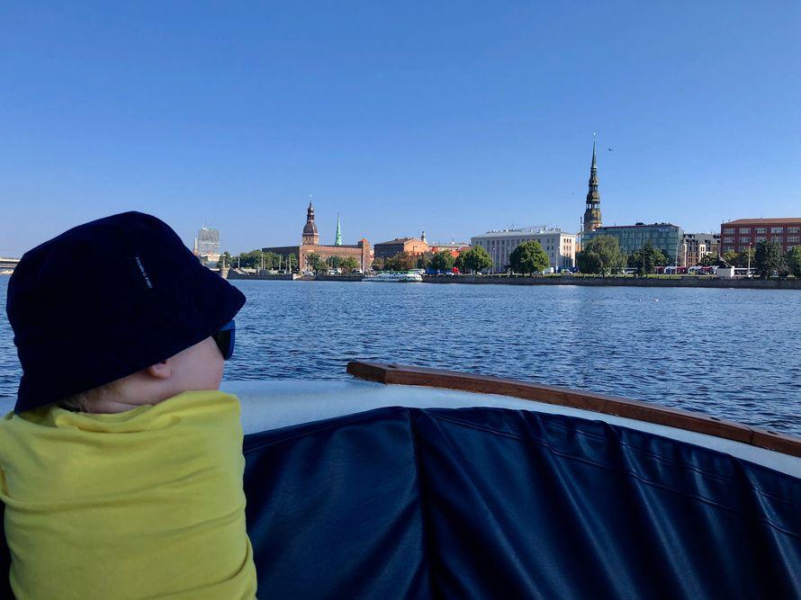 Tallinnasta Riikaan Autolla